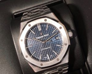 Audemars Piguet Royal Oak Royal Oak Blue Dial 41mm 15400ST.OO.1220ST.03