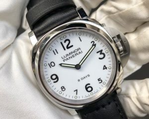 PANERAI PAM 561 Luminor 44mm 8 Days Power Reserve white dial