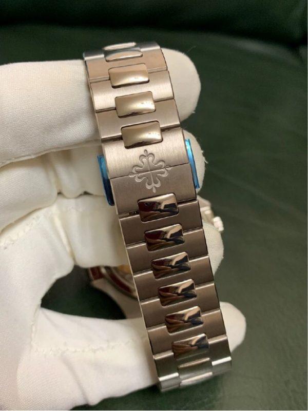Patek Philippe Nautilus 5740/1G-001 Perpetual Calendar 18k White Gold Blue Dial
