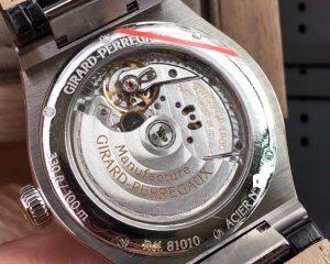 Girard Perregaux Laureato Steel White Dial Strap 42mm 81005-11-131-BB6A