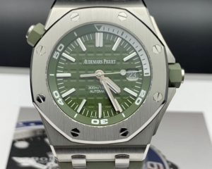 Royal Oak Offshore  Khaki Green Boutique Limited Edition 15710ST.OO.A052CA.01