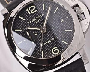 Panerai PAM535 Luminor GMT 1950 3 Days Hobnail Dial 42mm