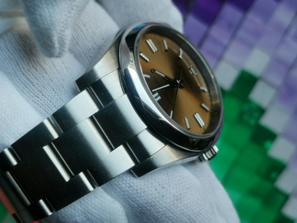 Rolex Oyster 116000 Champagne Dial Stainless Steel 36mm
