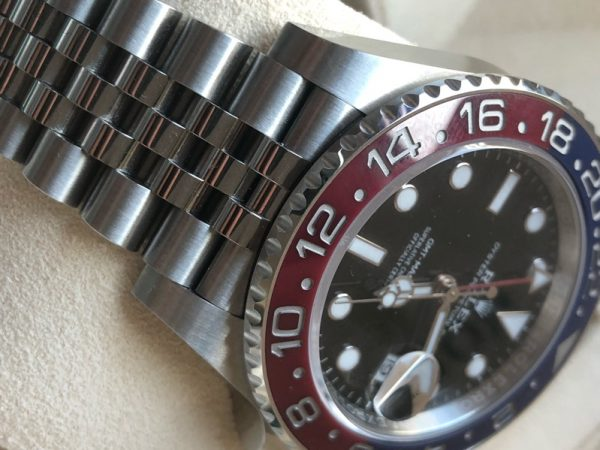 Brand: Rolex Reference: 126710BLRO Model: GMT-MASTER II Red & Blue Pepsi Bezel Size : 40mm Function: GMT Case: Stainless Steel Movement : Mechanical Automatic Condition: 95% Remarks: Box & Warranty Card, Random series (2019)