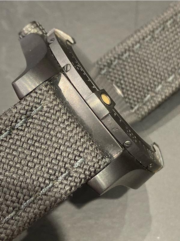 BREITLING Avenger Blackbird DLC V17311 44mm