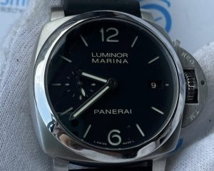Brand: PANERAI Reference: PAM00392 ; PAM392 ; PAM 392 Model: PAM392 Luminor Marina 1950 3 Days Automatic 42mm Size : 42mm Function: Date Case: Stainless Steel Movement : Mechanical Automatic Condition: 90% ( glass minor scratch ) Remarks: Box & Warranty Booklet, 2017 (S Series)