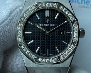 Audemars Piguet Royal Oak Quartz Ladies Black Dial 33mm Diamond Bezel 67651ST.ZZ.D002CR.01