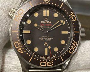 Omega James Bond 007 Seamaster Diver 300 M Titanium 210.90.42.20.01.001