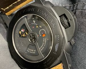 Brand: PANERAI Reference: PAM441 ; PAM00441 Model: Luminor PAM441 1950 3 DAYS GMT Automatic CERAMICA Size : 44mm Function: GMT, Date Case: Ceramic Movement : Mechanical Automatic Condition: 95% Remarks: Box Only , No Paper , Deployment Buckle