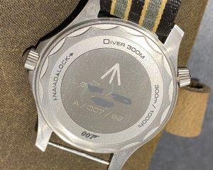 Omega James Bond 007 Seamaster Diver 300 M Titanium 210.92.42.20.01.001