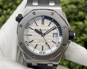 Audemars Piguet Royal Oak Offshore Diver White Dial 15710ST