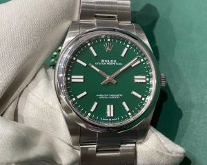 Rolex Oyster Oyster 41 Perpetual Green Dial 124300