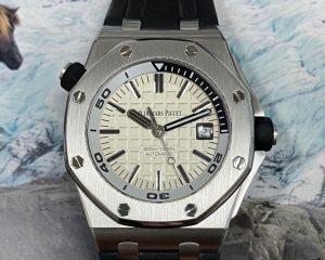Audemars PiguetRoyal Oak Offshore Diver White Dial 15710ST